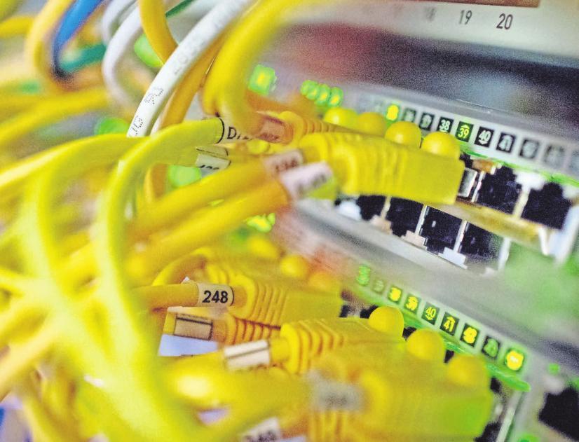 Die Datenschutzverordnung soll im digitalen Wirrwarr Verbraucherrechte stärken. FOTOS: DPA, ROLAND