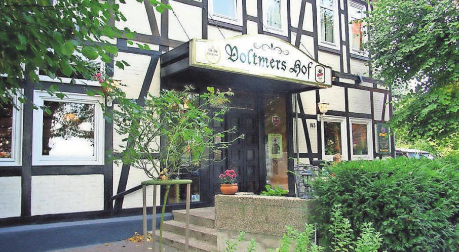 Buffet, Spanferkel und Stinte sind die kulinarischen Höhepunkte im Voltmers Hof.