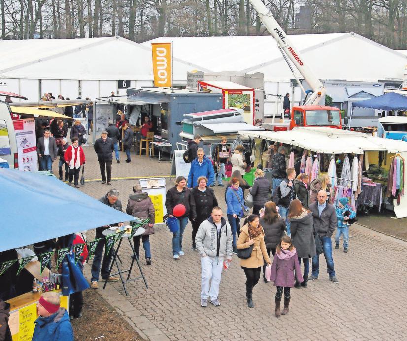 Die Familien-Frühjahrsmesse zieht viele Besucher an.