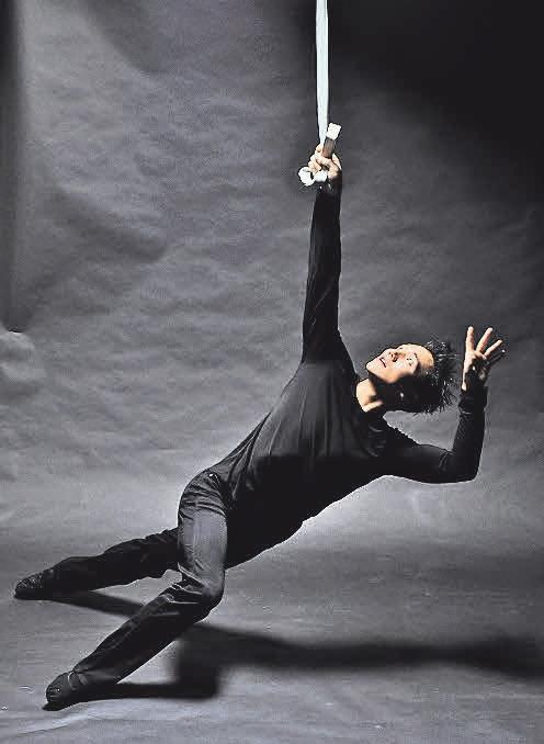 Artist Darkan Kambyshev hat bereits zahlreiche Preise gewonnen.