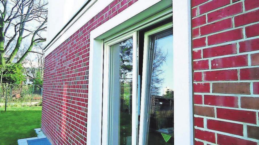 Durch gekippte Fenster kommt nicht immer genügend frische Luft in den Raum. Foto: Busche