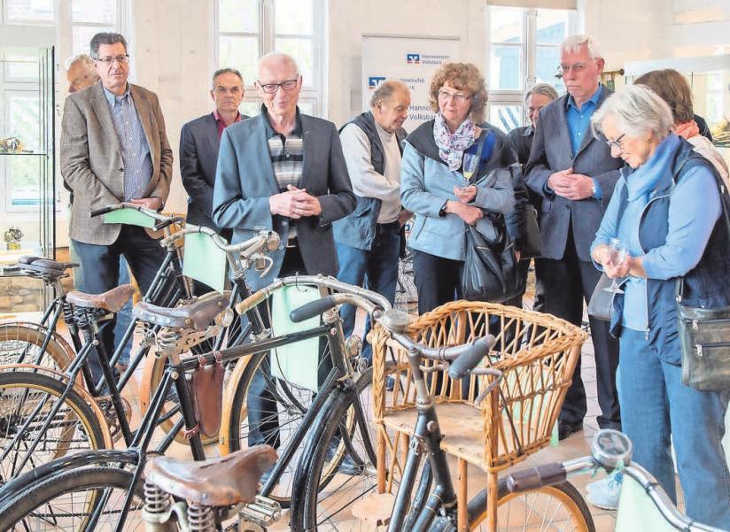 Ein VVV-Arbeitskreis betreut die Radfahrgalerie, seit 2002 eine Dauerleihgabe an die Stadt Burgdorf.