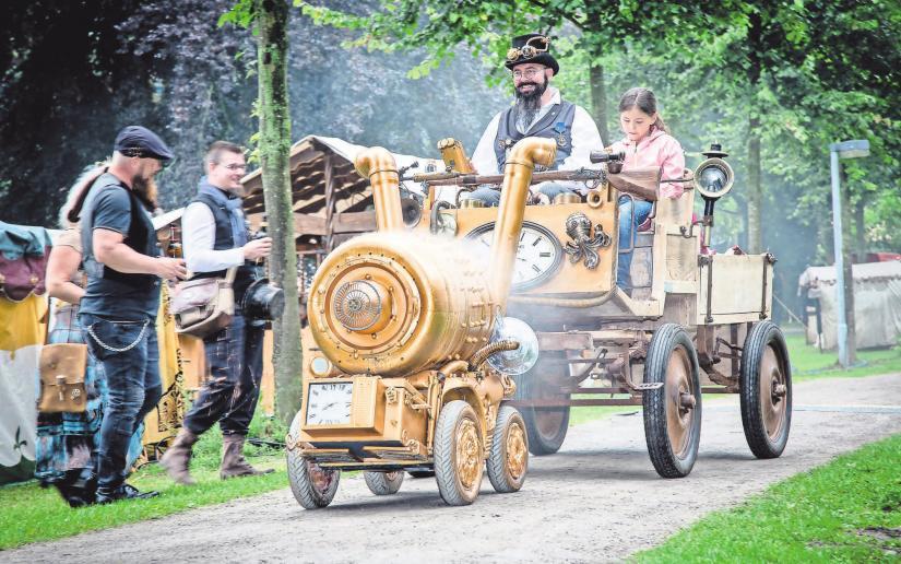 """""""Fantastische Welten"""": Der Burgdorfer Schlosspark verwandelt sich bei diesem Festival in einen fantastischen Ort."""