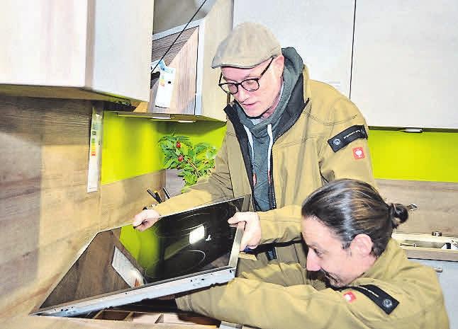 Hauseigene Monteure sorgen für den perfekten Aufbau der neuen Küche.
