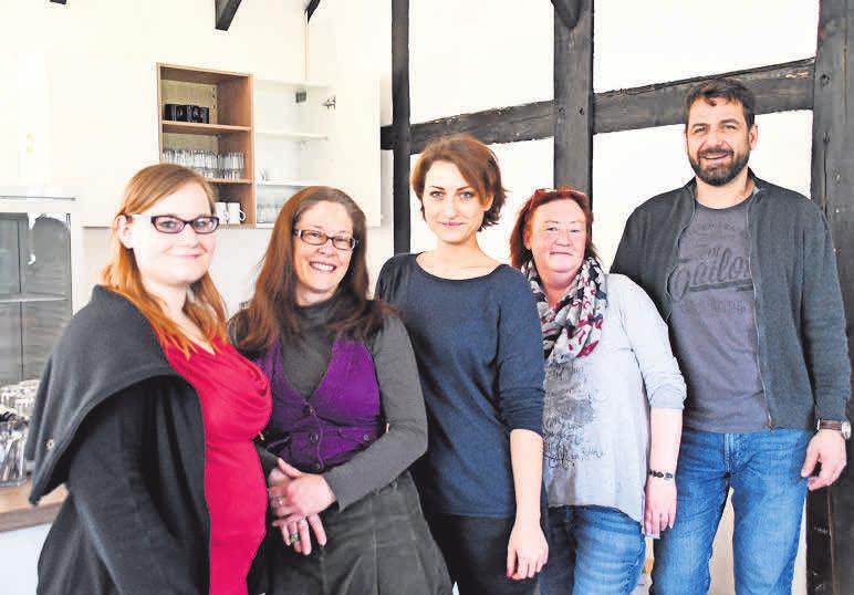 Das Tagesstätten-Team: Mandy Franke (von links), Sonja Wagenführer, Sarah Meyhöfer, Manuela Hömke und Uwe Schroth.