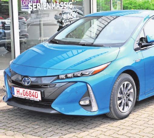 Der Toyota Mirai ist ein Pionier einer Null-Emissionszukunft: Er fährt mit fortschrittlicher Brennstoffzelle und wird ausschließlich über Wasserstoff betrieben.