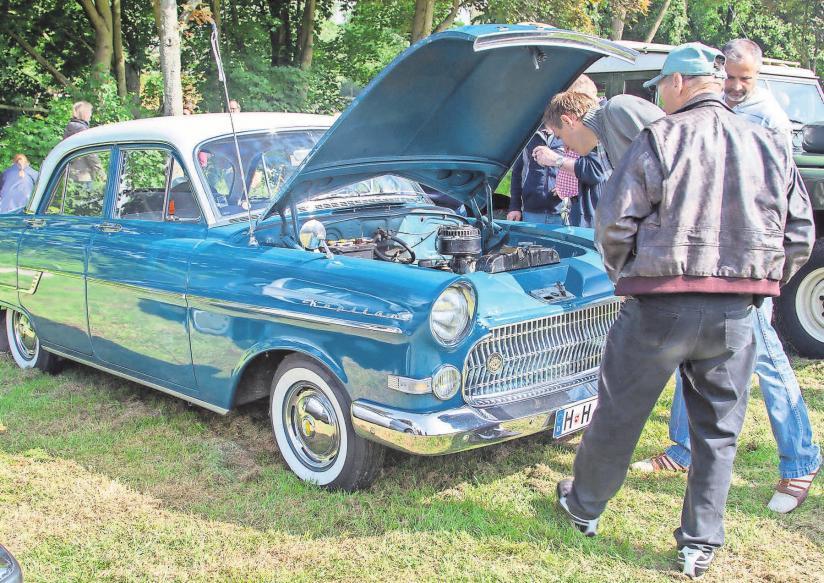 Beim Oldtimer-Treffen kommen Fans alter Automobile auf ihre Kosten.